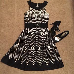 Stunning WHBM dress!